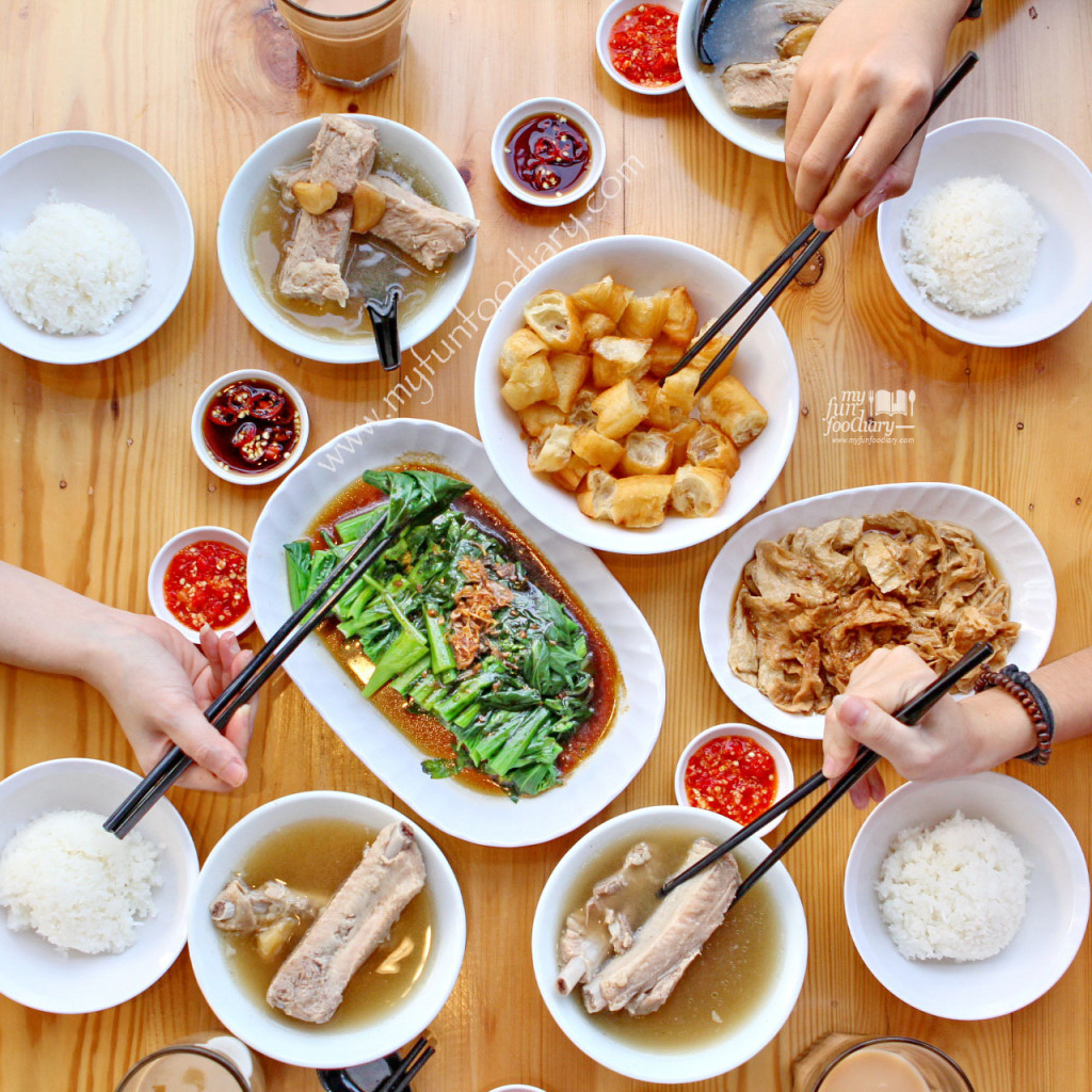 bak kut teh spare rib soup bak kut teh is an aromatic soup with a ...