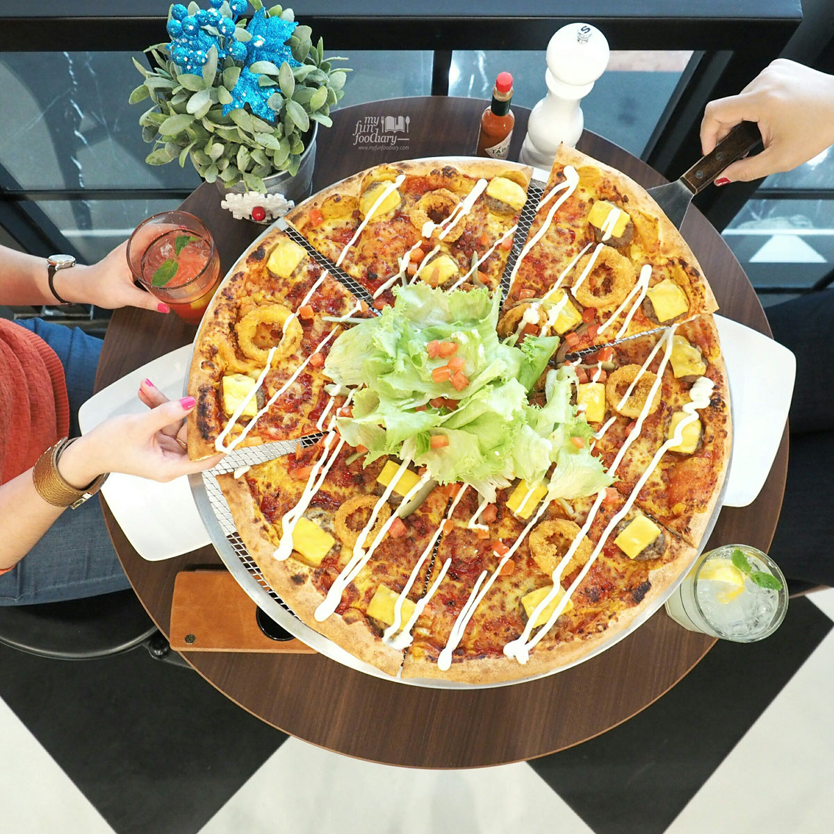 Pizza Hut Kitchen the kitchenpizza hut | myfunfoodiary