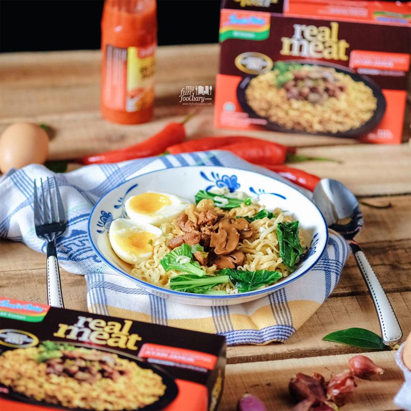 Indomie Real Meat Ayam Jamur